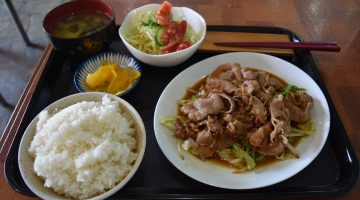 水前寺に生まれて50年の老舗レストランで味わう「焼肉定食」